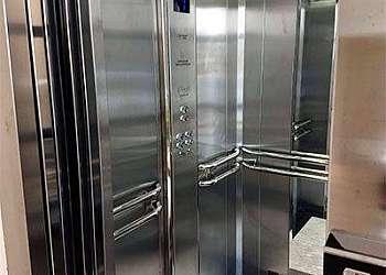 Conserto de elevador de carga