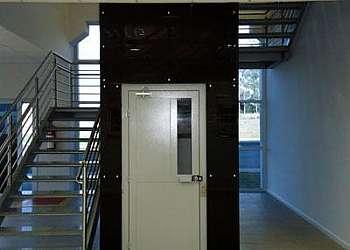 Elevador plataforma para cadeirantes