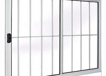 Gradil de alumínio com vidro