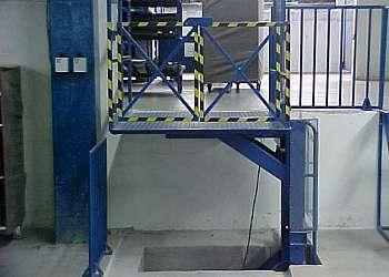 Elevadores de cargas pequenas