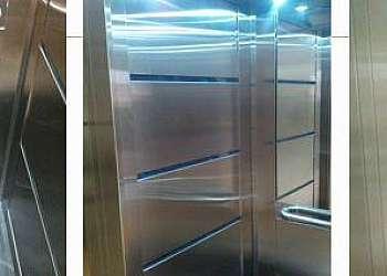 Revestimento de elevadores em inox